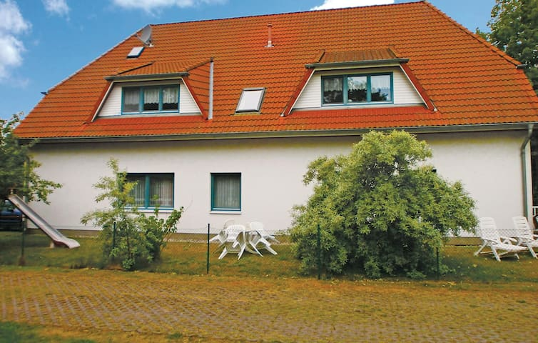 Holiday apartment with 1 bedroom on 35 m² DMK486