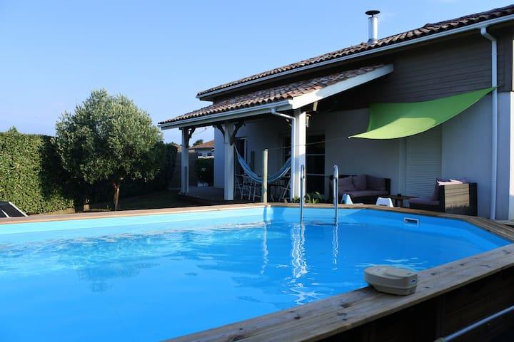 villa familiale avec piscine - Saubion - Talo