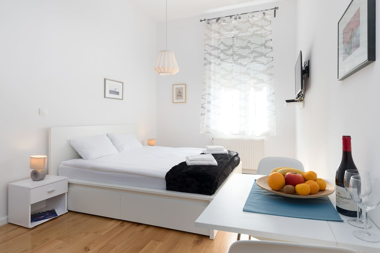 Spacious and bright in the heart of Zagreb city center