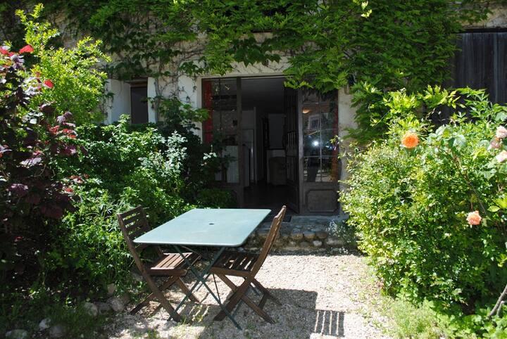 Joli studio de 45 m² dans bastide du XVIIème