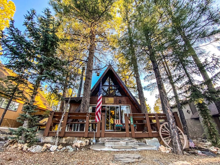 Sunset Cabin: A-Frame in the Woods