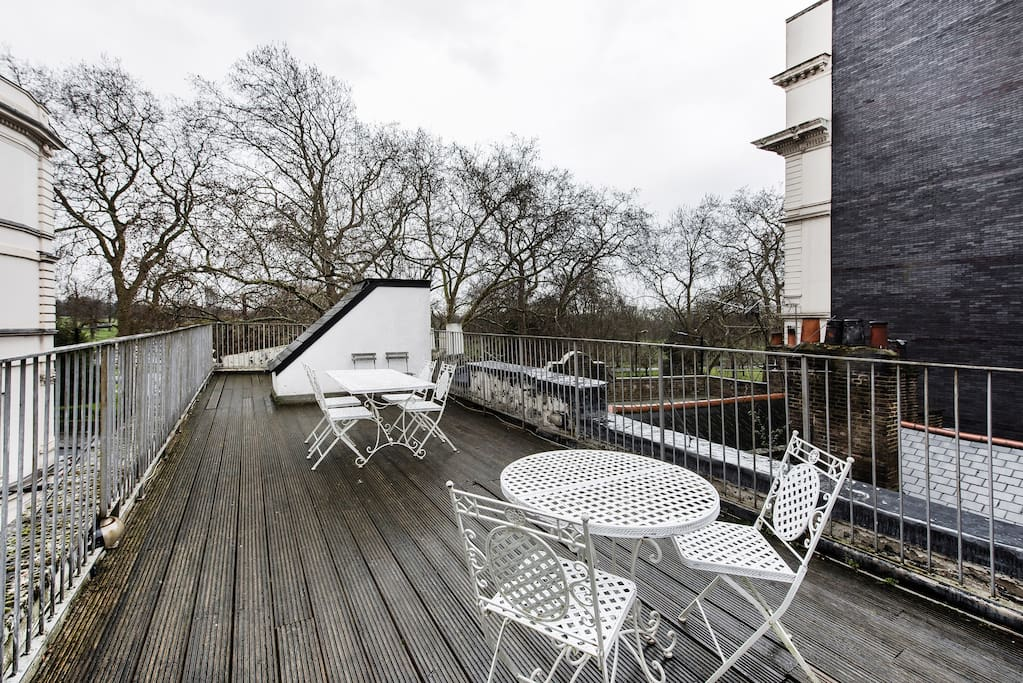 Huge private roof terrace overlooking Hyde Park