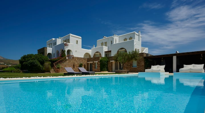 Grace Queen villa Tinos