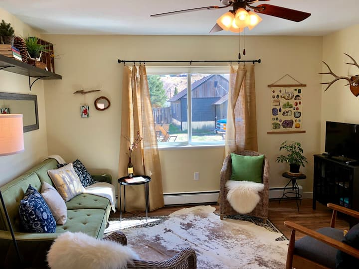 The Naturalist Cottage~ completely renovated house