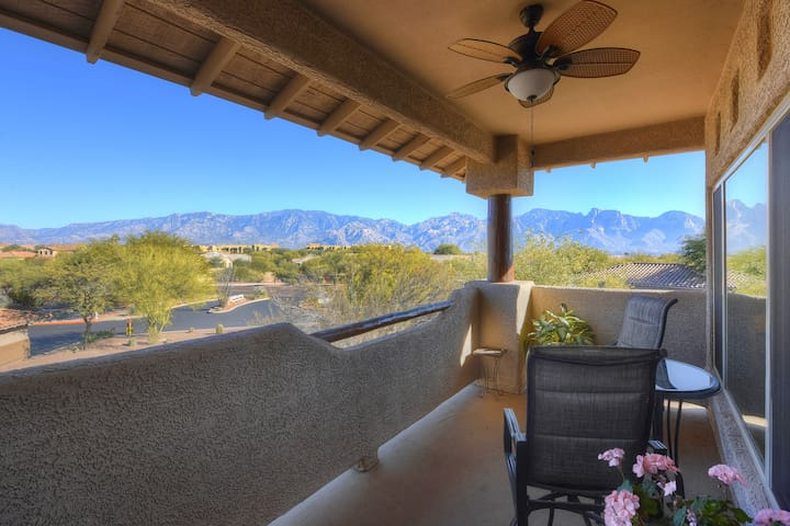 World Class Views From Premium Oro Valley Location