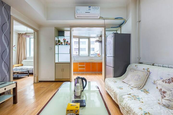 正宁路夜市电梯空调两室一厅
