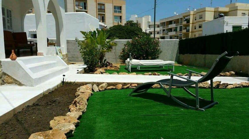 RURAL BEACH HOUSE - Eivissa - Rumah