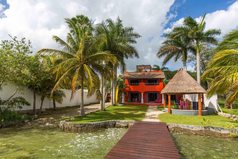 Casa del Árbol vista desde la laguna - Casa del Arbol lagoon view