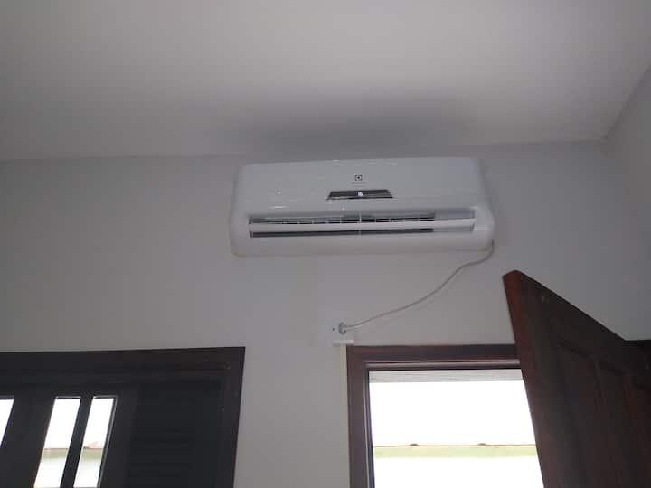 Suite com wi-fi,Net flix,ar condicionado etc...