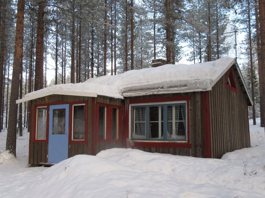 The guesthouse in winter
