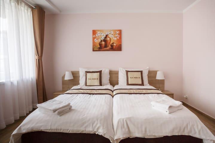 New 3 bedroom apartment near city center