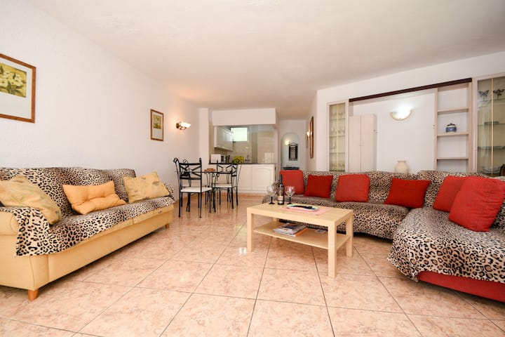villamar seaview  apartment on seafront