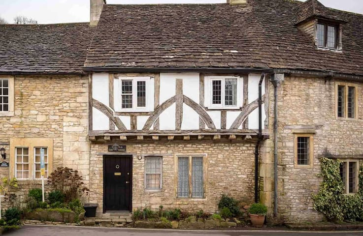 The Old Court House, Castle Combe - Castle Combe - House