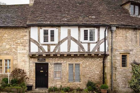 The Old Court House, Castle Combe - Castle Combe - Talo