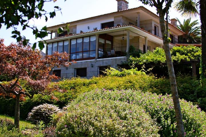 Casa GANDARIÑA: Un sueño mirando al mar.