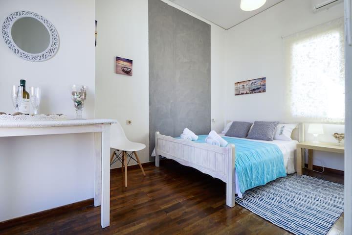 Penthouse Apartment, 1 min from Municipal Market