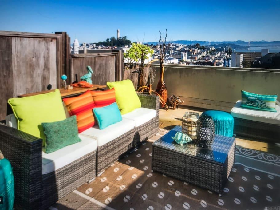 Cozy patio w/ Tremendous Views!