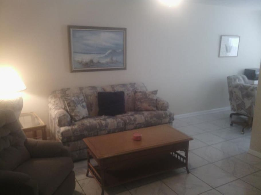 Apartment With Pool Near Jaycee Park 3 Apartments For Rent In Cape Coral Florida United States