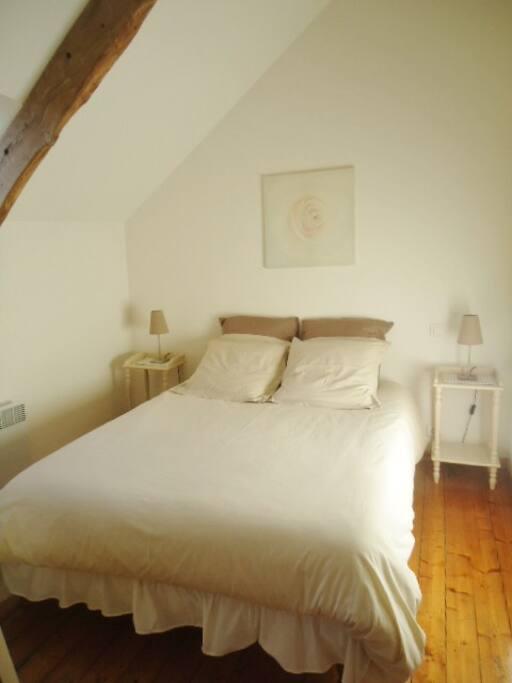 Chambre double lit Haute qualité 160 X 200 (queen size)