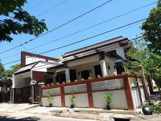 3-bedroom House in Muntinlupa City