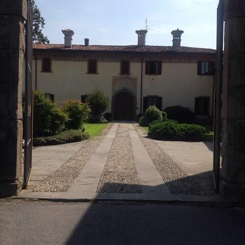 Villa in corte antica: 2 camere doppie - Ponte San Pietro - Villa