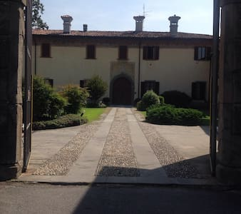 Villa in corte antica: 2 camere doppie - Ponte San Pietro