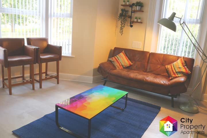 Apartment 5/0.5ml To City/4 Bedrooms/Free Parking