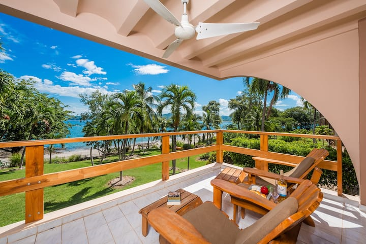 Flamingo Beachfront Condo With Its Own Secluded Beach!