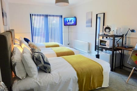 Our rooms are modern, comfortable and fully fitted with kitchenettes and work stations. They are perfect for the business traveller or those wishing to see the sights of Reading and the surrounding areas.