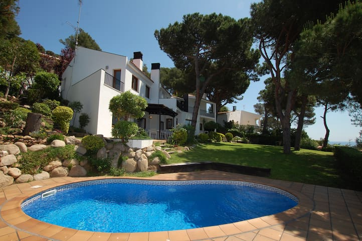 Villa El Olivo - near beach, garden, private pool