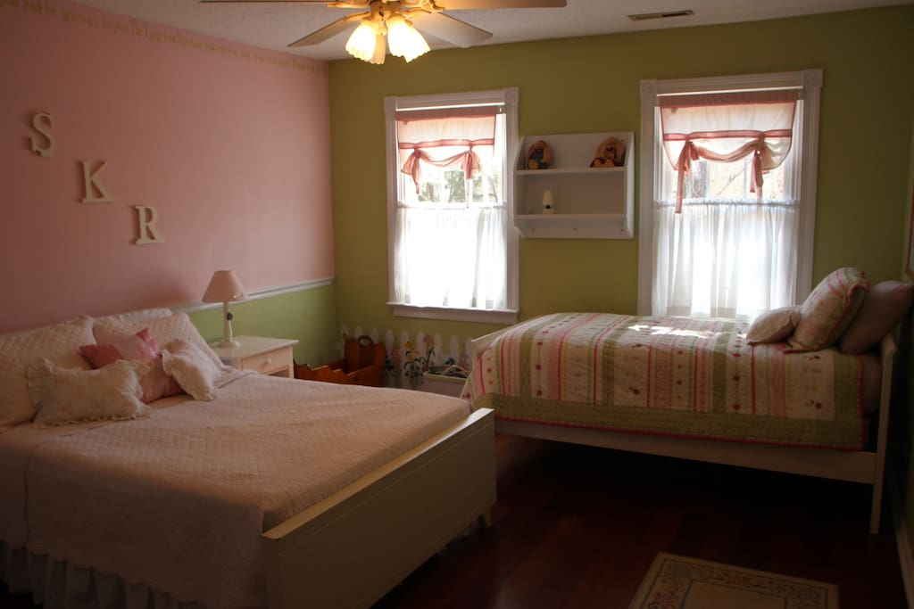 1 Double Bed and 1 Twin Bed