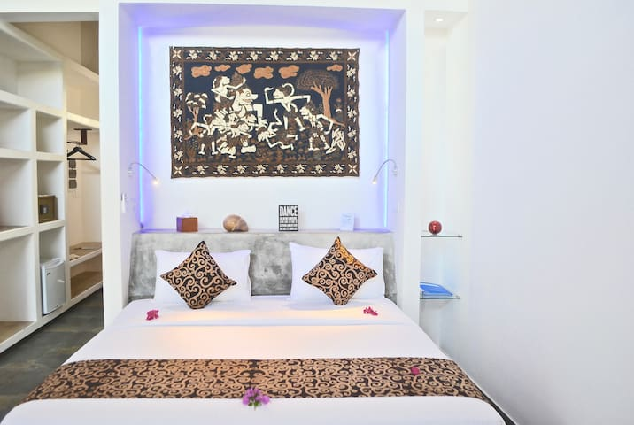 Studio Villa on Canal with Plunge Pool - Negombo - Villa