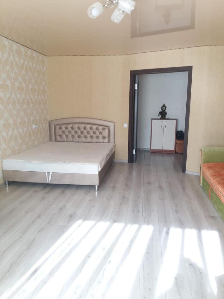 1 комнатная просторная  квартира в новом доме