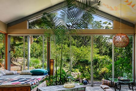 Maleny Yoga Wellness retreat,  Rainforest detox