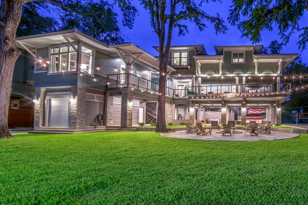 The multiple levels of the estate provides 5 bedrooms boasting beautiful lake views while the other rooms overlook the spectacular private grounds.