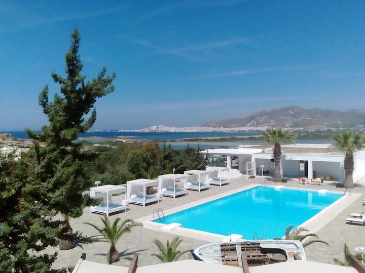 Panoramic sea view villa, hot tub, breakfast
