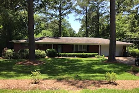 """New Listing!  """"Southern Pines"""" Sleeps up to 12"""