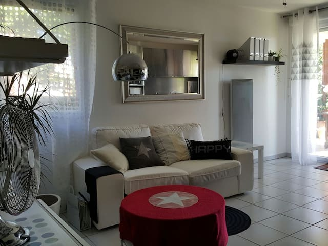 Appartement T2  avec terrasse et piscine - Colomiers - Apartment