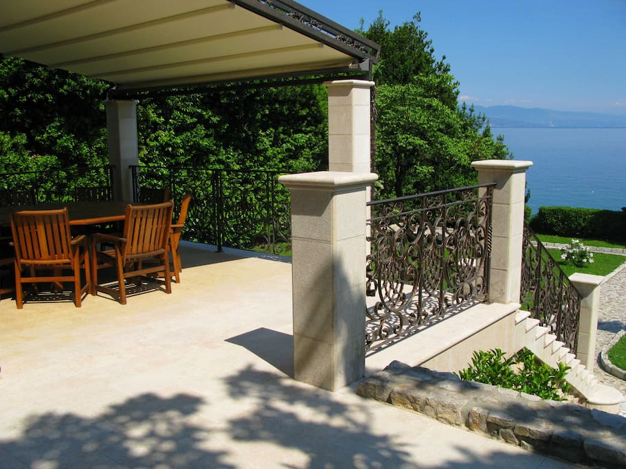 Terrace with seaview and park