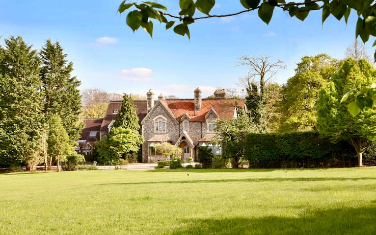 Luxury Country Estate with Concierge and Staff