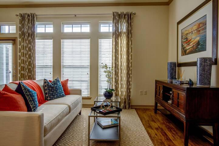 All-inclusive apartment home | 1BR in Charleston