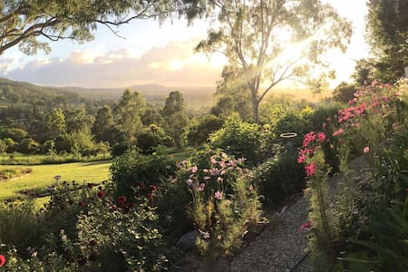 Valley View Retreat handy to Gold Coast, Tamborine