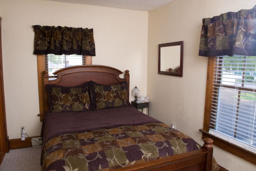Queen Bedroom with Private Bathroom