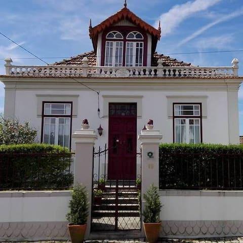 Vila Delfina - Coimbra - Rumah