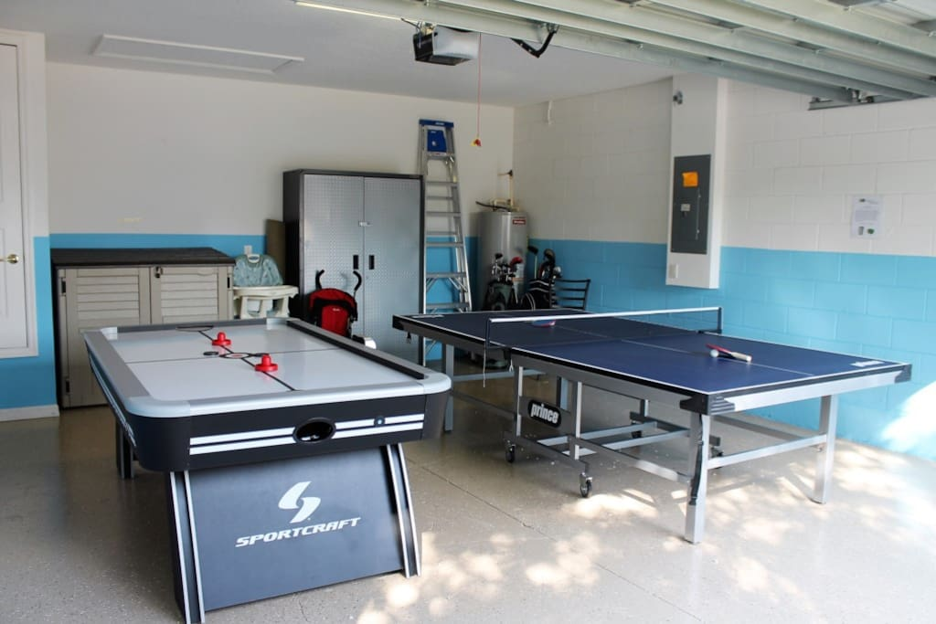 Awesome Games room | Table Tennis and Air Hockey!