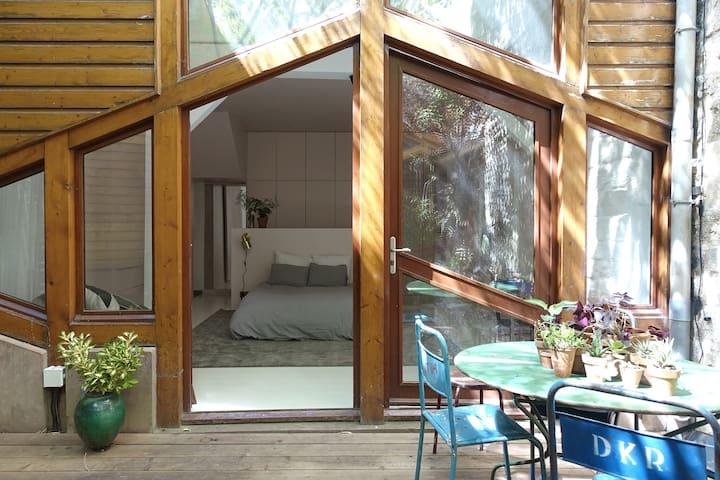 Magnifique chambre donnant sur jardin