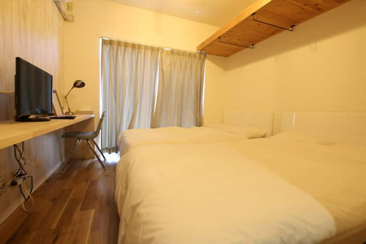 Private Room Semidouble twinbed