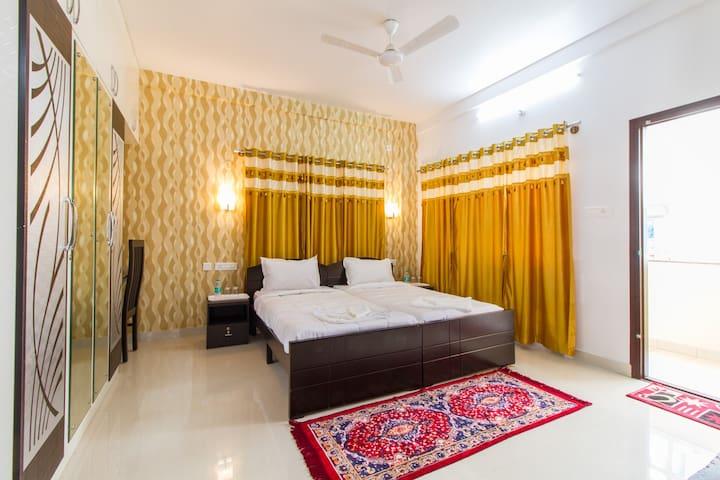 Prasad Stay Manyata IT Park - Balcony Room 2