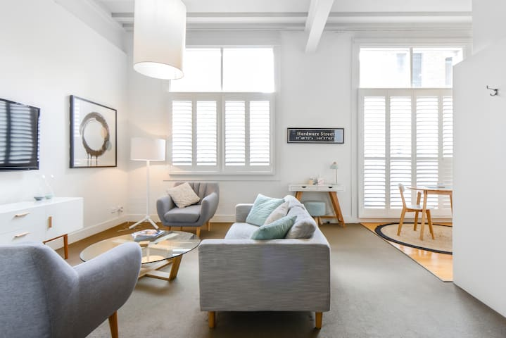 Chic, Zen Apartment in Central Business District
