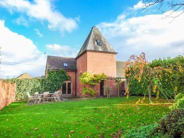 Stay in a Hop Kiln! - Bockleton - Tatil evi